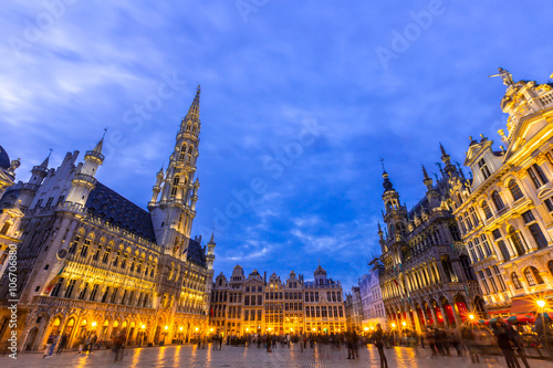 Foto op Canvas Brussel Grand place in Brussels,Belgium at dusk