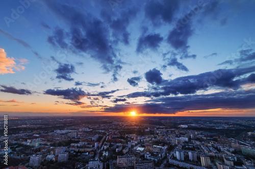 Fototapeta Zachód słońca nad miastem Wrocław, Polska,