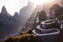 The Winding Road Of Tianmen Mo...