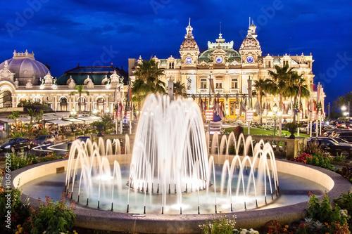 Fotografie, Obraz  Monte Carlo Casino, hazardní hry a zábavní komplex se nachází v Monte Carlo, Monako, Cote de Azul, ve Francii, v Evropě