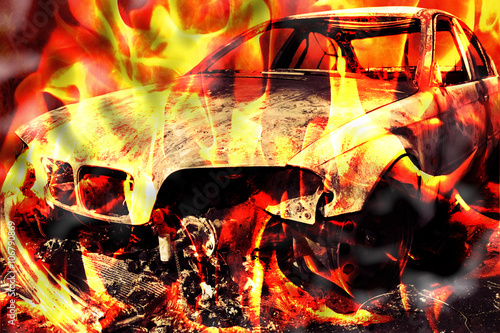 Cadres-photo bureau Dragons Burning car on the road