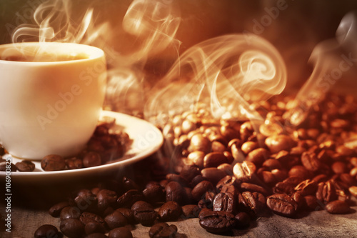 Fototapety, obrazy: Cup of coffee and grains, closeup