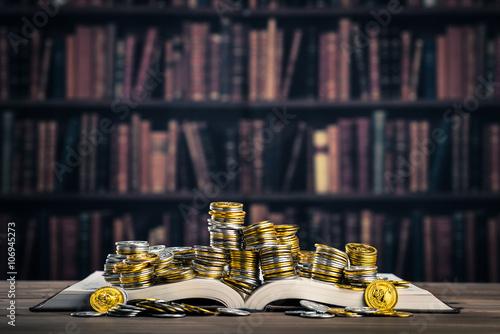 Valokuva  本とお金