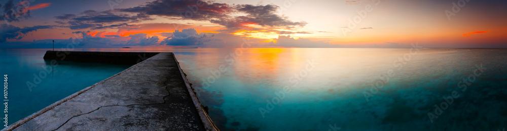 Fototapeta fantastic panorama dramatic dawn landscape sea beach tropical island Maldives