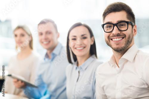Fotografía  Cheerful colleagues  smiling