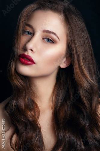 31293d165 High fashion look.glamor closeup portrait of beautiful sexy stylish brunette  young woman model with bright makeup with red lips.Beautiful girl with red  lips ...