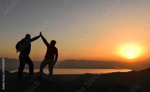 zirvedeki başarılı dağcılar
