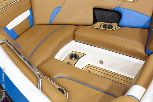 Fotobehang Water Motor sporten Interior Yacht