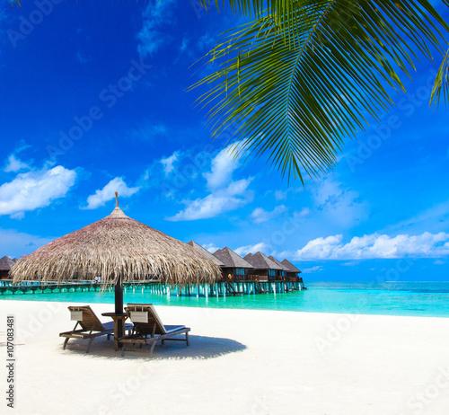 Cadres-photo bureau Tropical plage beach with Maldives