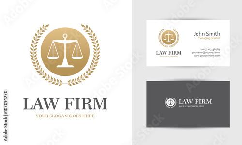 Fotografía  Golden law logo with scales