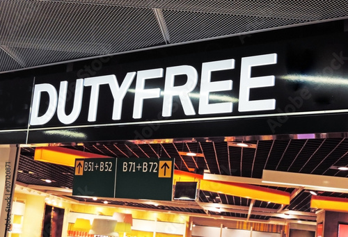 Poster Aeroport Duty Free shopping at the airport