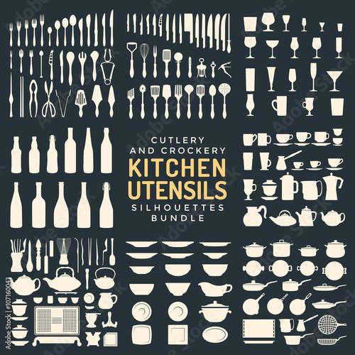 Fotografía  kitchen utensils silhouettes bundle.