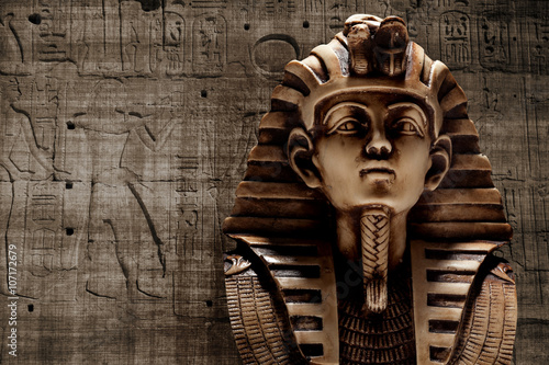 Stone pharaoh tutankhamen mask Canvas Print