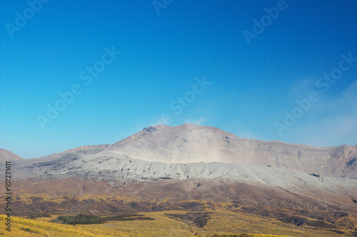 Fotografia, Obraz  View of Mt. Aso that is spewing smoke at Autumn