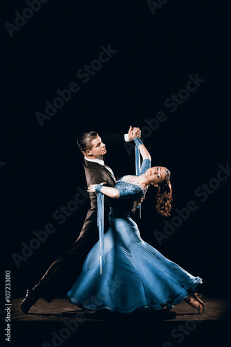 Dramatic Argentinean Dance Couple Competing in Tango Championships Fototapeta