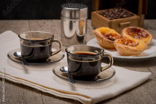 Foto  Portuguese Custard Tarts with Coffee