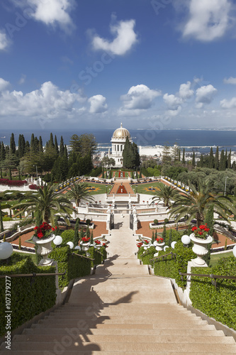 Keuken foto achterwand Temple Top view of the Bahai Garden and Haifa, Israel