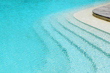 Curved Steps In Swimming Pool ...