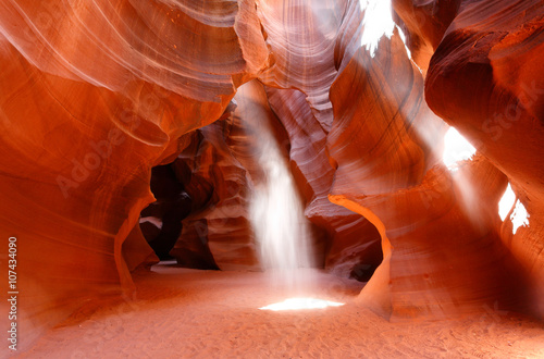Tuinposter Antilope Upper Antelope Canyon Showing Sun Beam Coming into Slot Canyon, Page, Arizona, USA