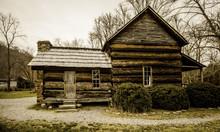 Smoky Mountain Appalachian Farmhouse. Farmhouse Located In The Great Smoky Mountains National Park In Cherokee, North Carolina.