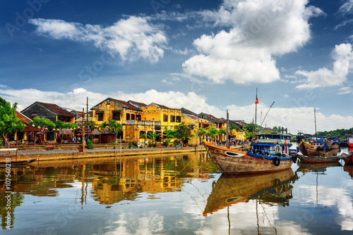 Foto  Wooden boats on the Thu Bon River, Hoi An (Hoian), Vietnam