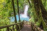 Wodospad z niebieska wodą-Krajobraz