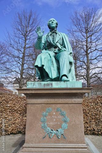 Photo  statue de l'écrivain danois Andersen à Copenhague