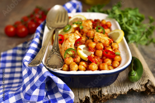 Chickpea stewed with chicken fillet.