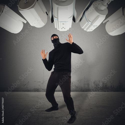 Fotografía  Thief caught red-handed