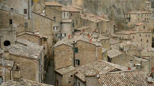 Photo  Beautiful medieval town in Tuscany, Sorano, Italy, EU, Europe.
