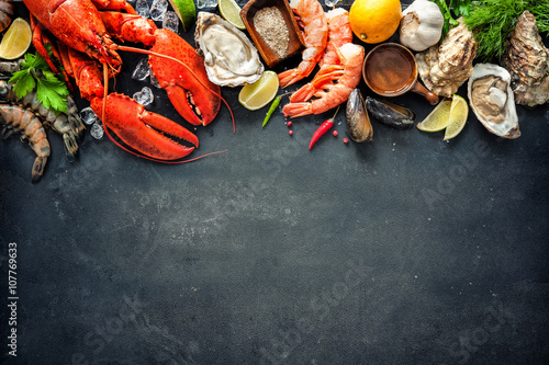 Fotografija Shellfish plate of crustacean seafood with fresh lobster, mussels, oysters as an