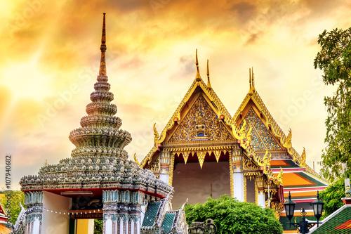 Cadres-photo bureau Bangkok Temple of the Emerald Buddha (Wat Phra Kaew) in sunset time, Bangkok, Thailand