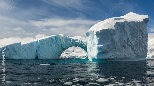 Foto auf Gartenposter Antarktika Snow and ices of the Antarctic islands