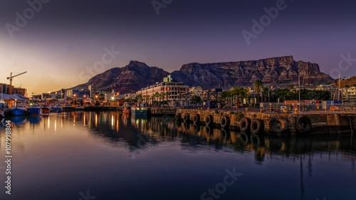 Poster Afrique du Sud Table mountain at sunrise