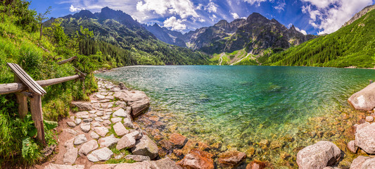 Obraz na SzklePanorama of pond in the Tatra mountains, Poland