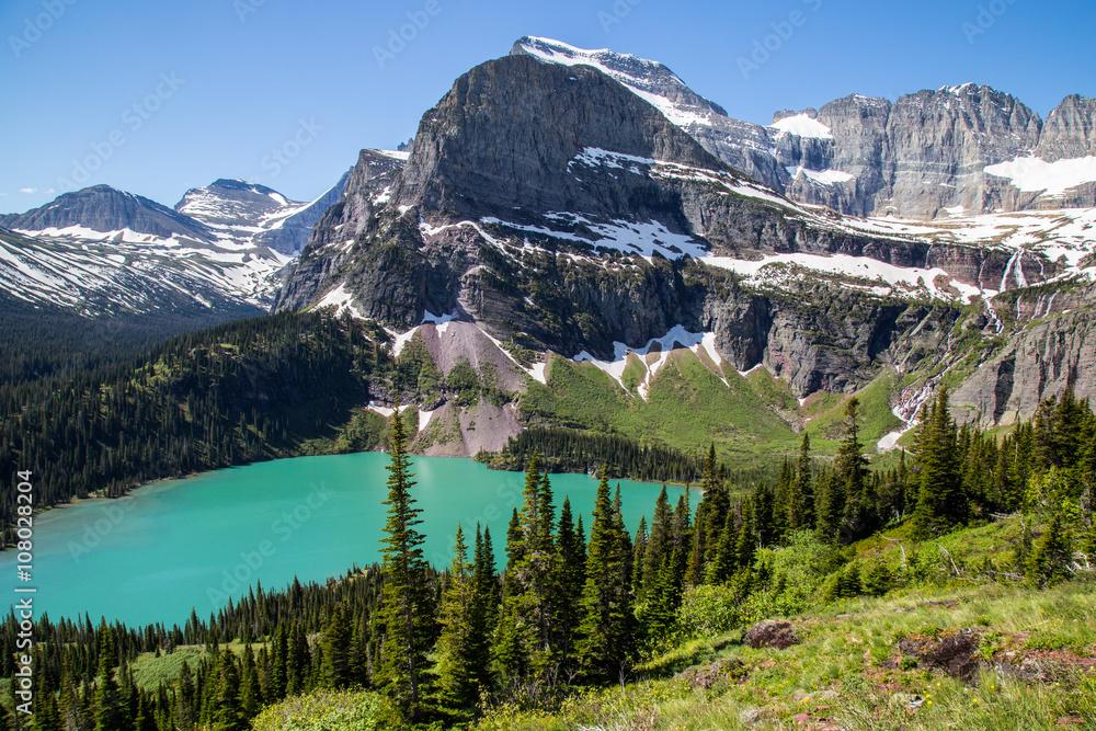Valokuva  Glacier national park montana mountains and lakes