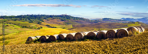 plakat wonderful autumn landscape of Tuscan fields