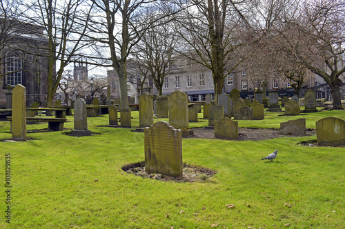 City churchyard with graves Wallpaper Mural