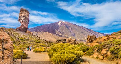 Poster Miel Pico del Teide with famous Roque Cinchado rock formation, Tenerife, Canary Islands, Spain