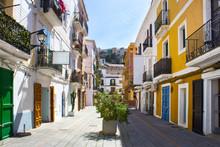 Street With Vintage Buildings ...
