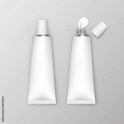 Leinwand Poster Vector Blank White Tubes Isolated on Background