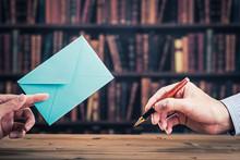 ペンと封筒