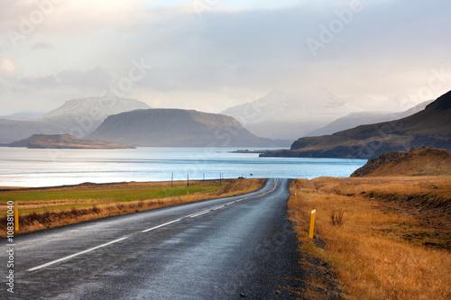Spoed Foto op Canvas Scandinavië Beautiful mountains by Hvalfjordur fiord. Iceland.