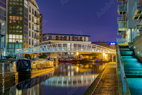Fotobehang Kanaal Amazing view of the canals in Birmingham