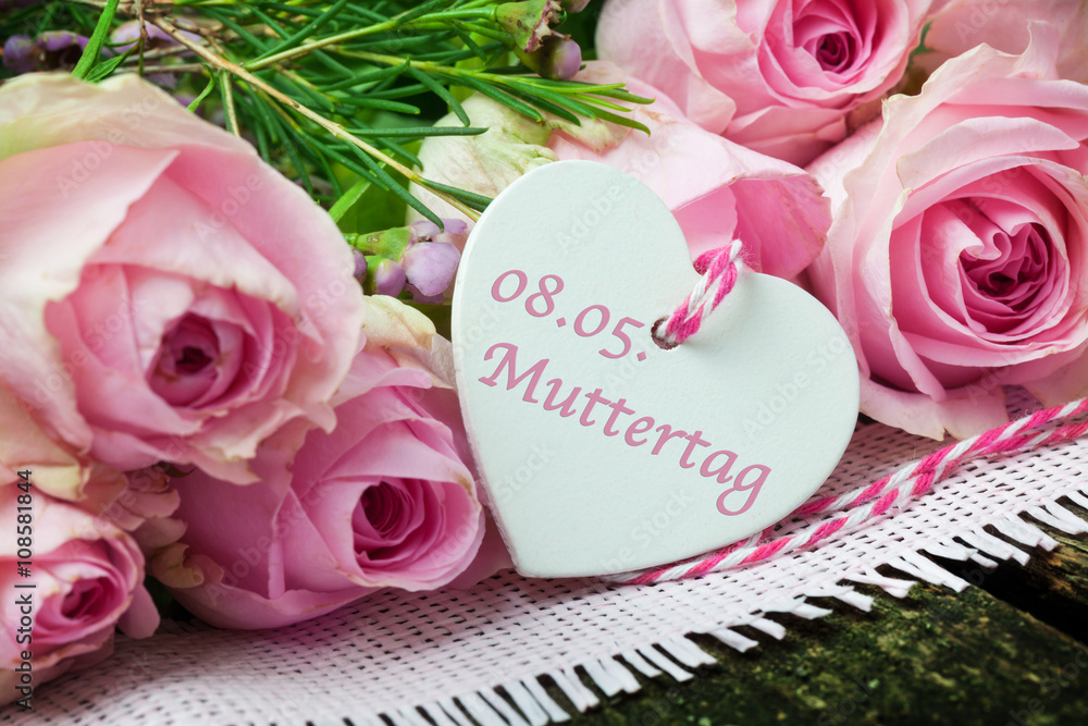 Kuchenruckwand Aus Glas Mit Foto Rosa Rosen Und Herz An Muttertag