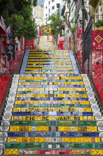 Cadres-photo bureau Rio de Janeiro Rare empty view of colorful mosaic tiles at the Escadaria Selaron Steps in Lapa, usually crowded with tourists
