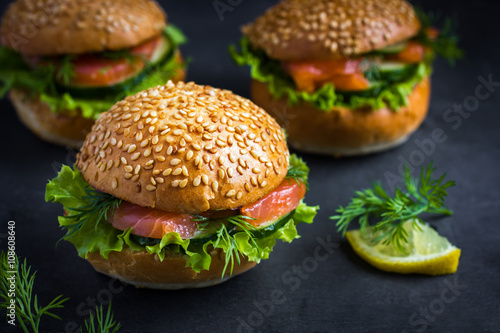 Photo  smoked salmon mini burgers