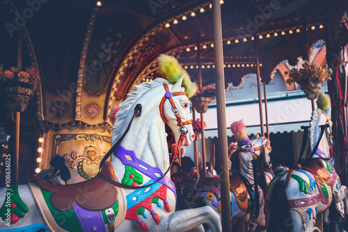 Photo sur Toile Attraction parc Luna park - carousel ride