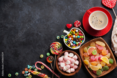 Foto op Plexiglas Snoepjes Coffee, colorful candies, jelly and marmalade