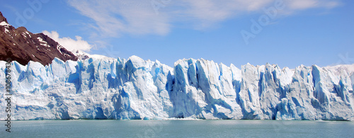 Poster Gletsjers The Perito Moreno Glacier is a glacier located in the Los Glaciares National Park in the Santa Cruz province, Argentina. It is one of the most important tourist attractions in the Argentine Patagonia